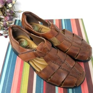 Earth Shoe Brand Leather Uppers. Size 8 1/…